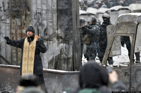 Kiev Priest for Peace - Sergei Supkinski via Getty Images.jpeg